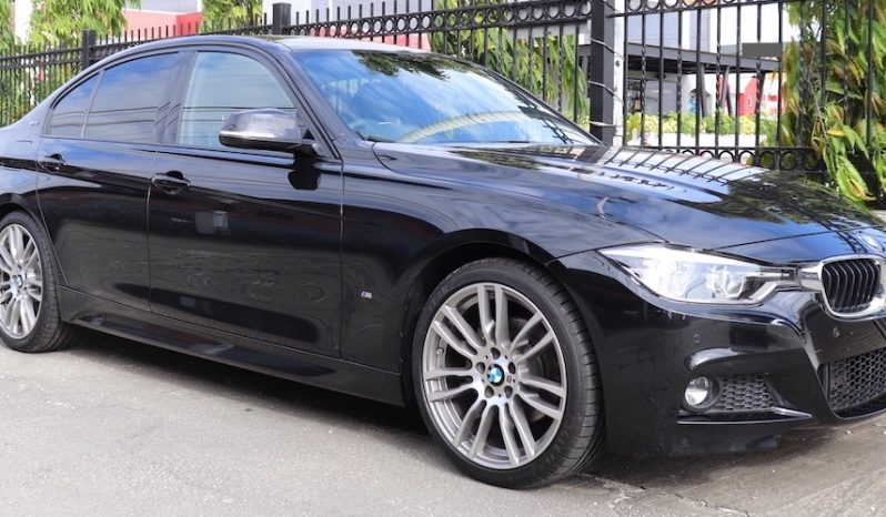 BMW 330e M Sport full